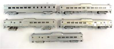Group of 5 Athearn HO Scale Passenger Train Cars