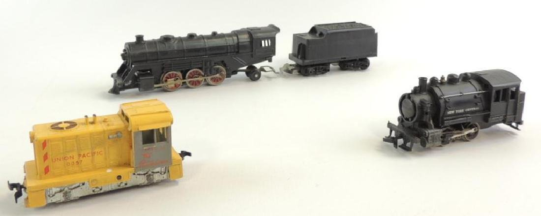 Group of 3 HO Scale Locomotives Featuring Mantua