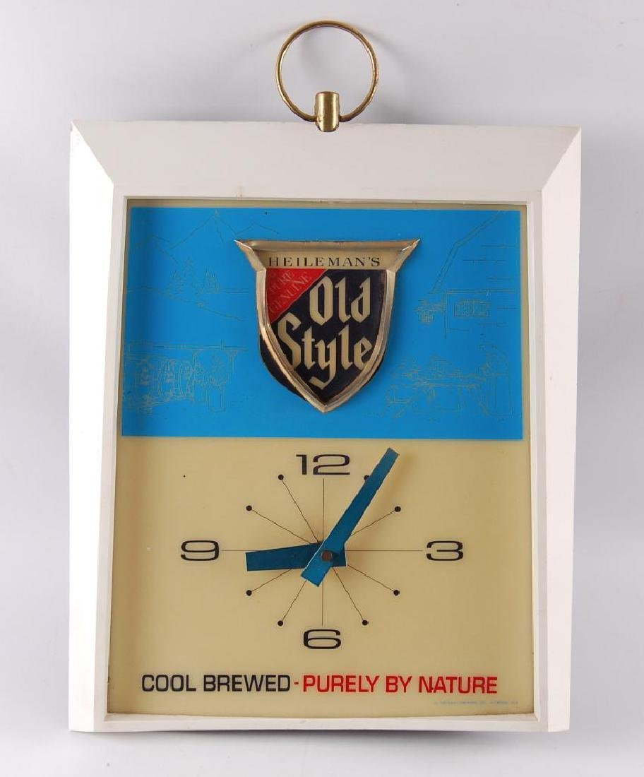 Vintage Heileman's Old Style Light Up Advertising Beer