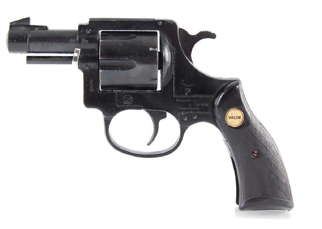 Valor .32 S&W Double Action Revolver