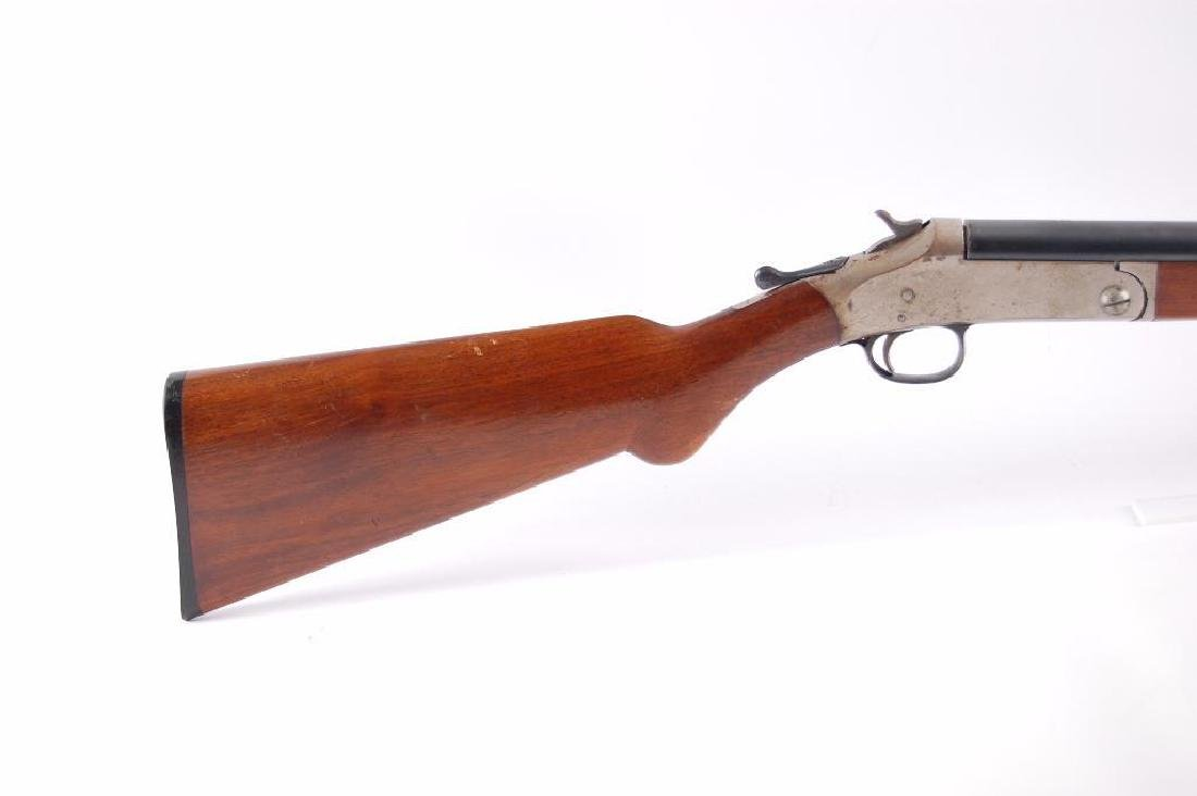 Harrington & Richardson Arms 12GA Break Action Single - 2