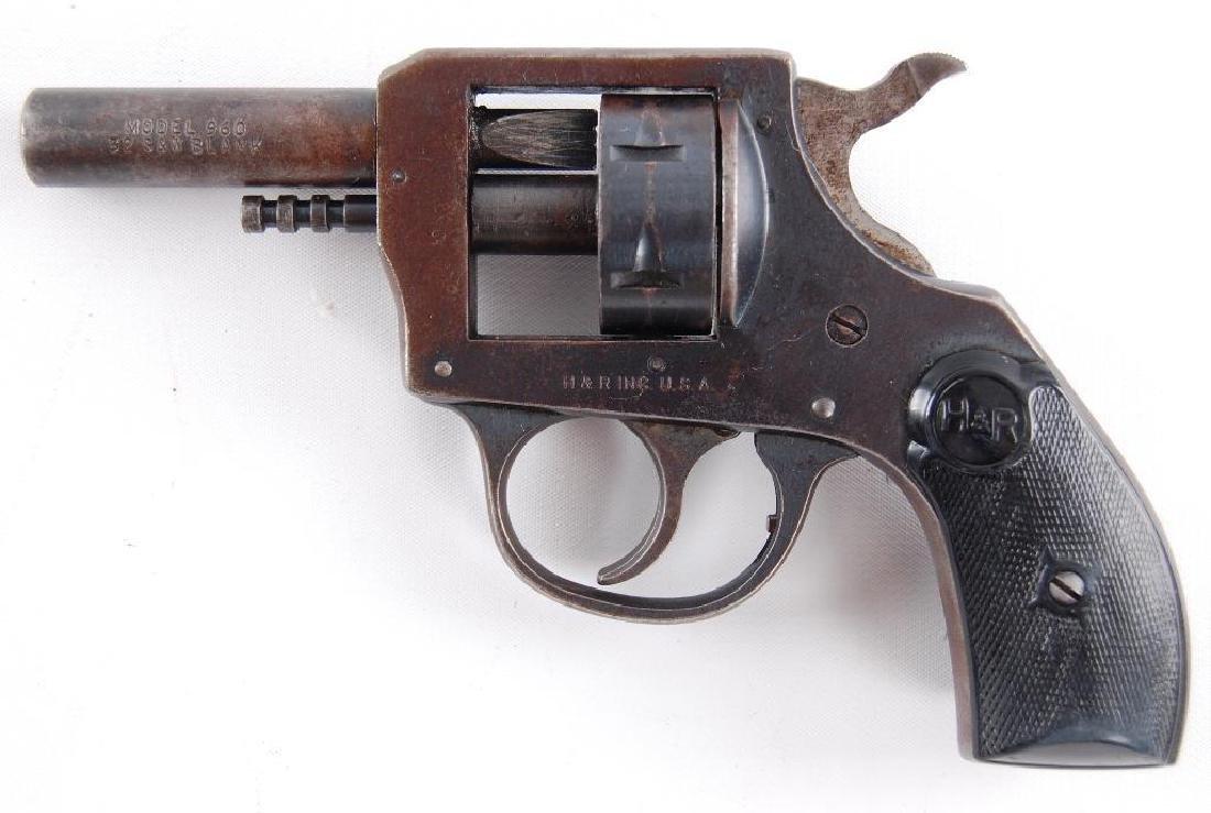 Harrington & Richardson Inc. Model 960 .22 Cal. Blank