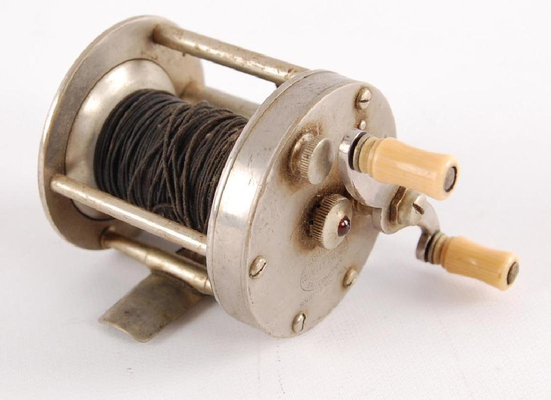 Vintage Southbend Style No. 1200 Fishing Reel