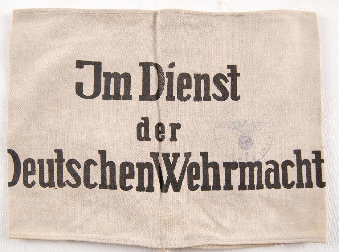 """WW2 German """"In the Service of the German Army"""" Armband"""