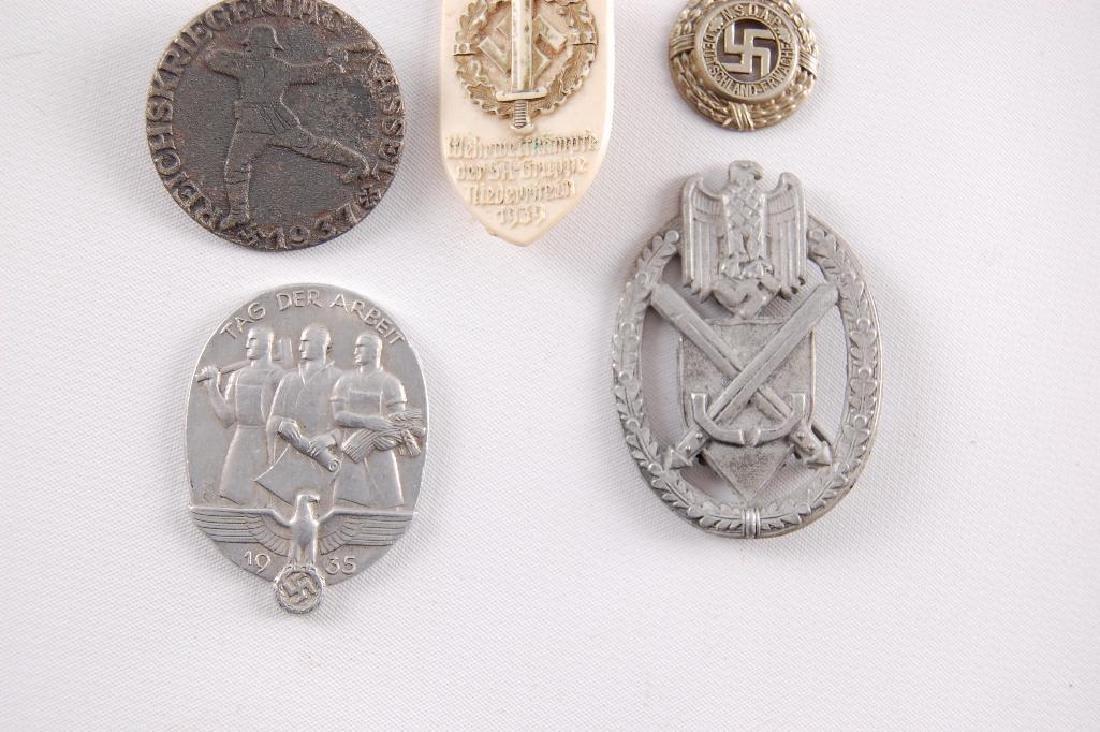 Group of 8 WW2 German Tinnies - 4