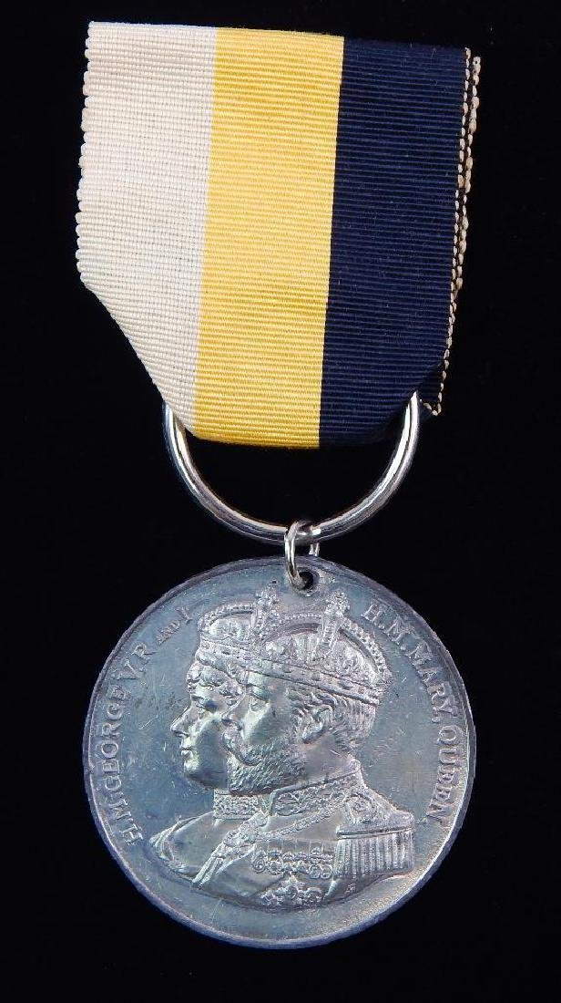 Group of 2 British Coronation Medals for George V - 2