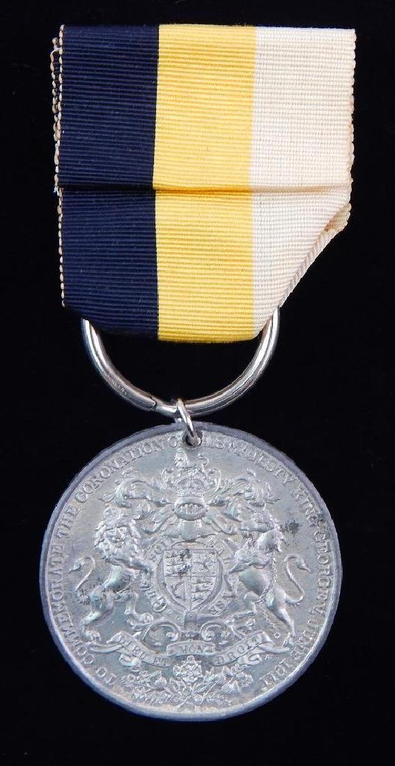 Group of 2 British Coronation Medals for George V - 3