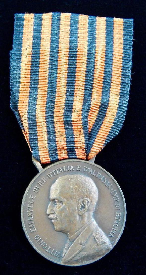 Group of 4 Pre-WW2 Italian Medals - 7