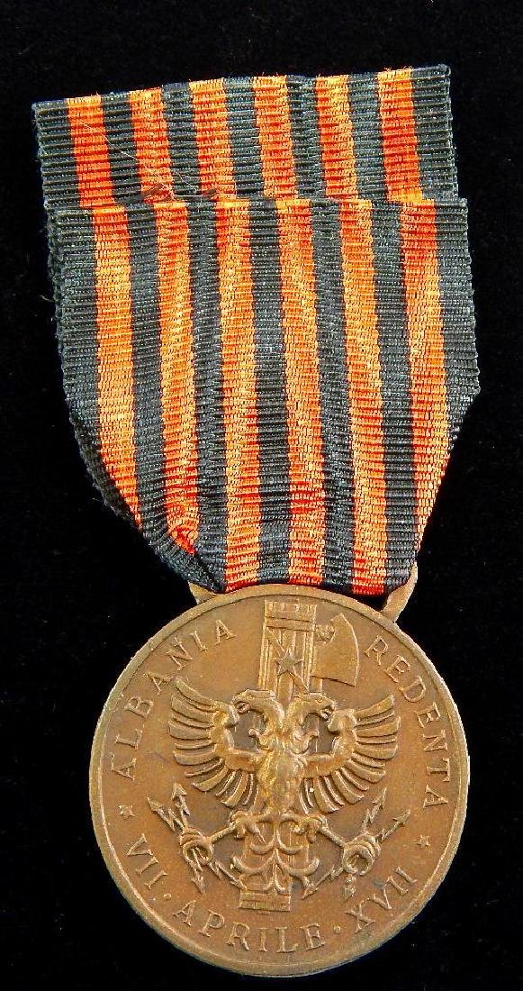 Group of 4 Pre-WW2 Italian Medals - 8