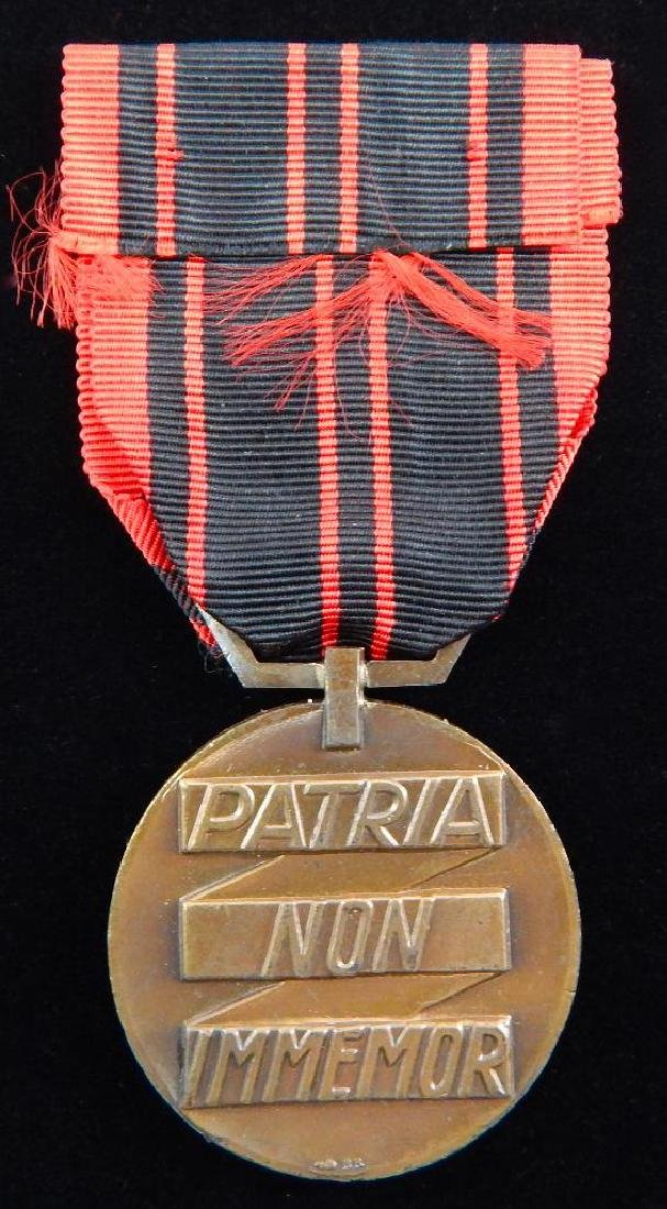 Group of 4 French Medals - 3