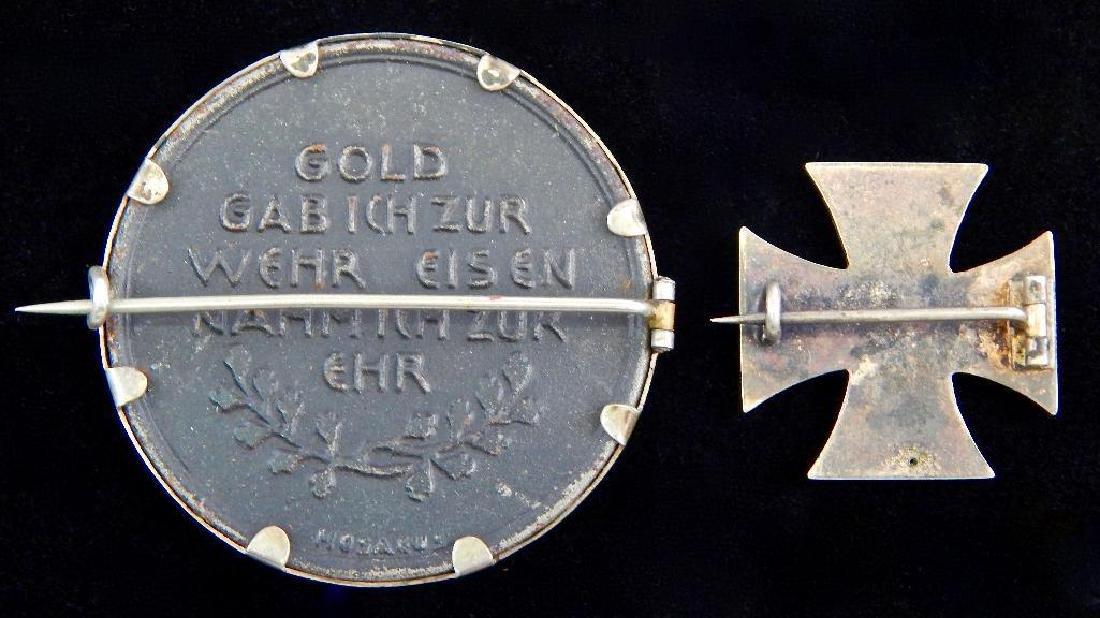 "Group of 2 Pins : ""Gold for Iron"" and Iron Cross - 2"