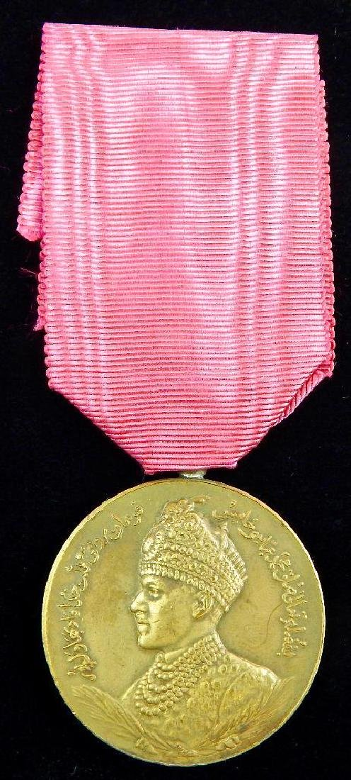 Group of 10 India and Pakistan Medals - 4
