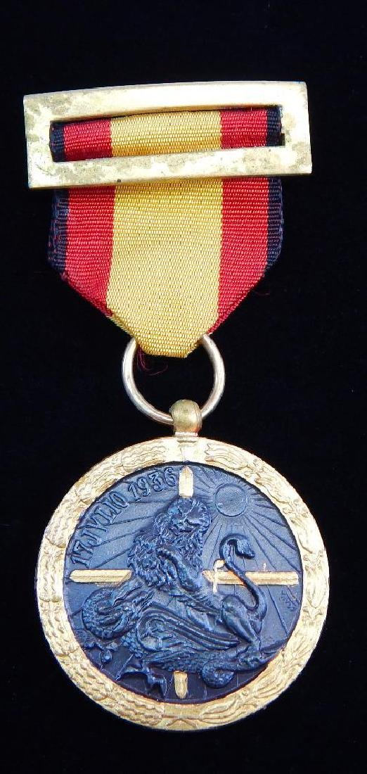 Group of 3 WW2 Spanish MedalsÊ+ 2 1936 Campaign Medals - 6