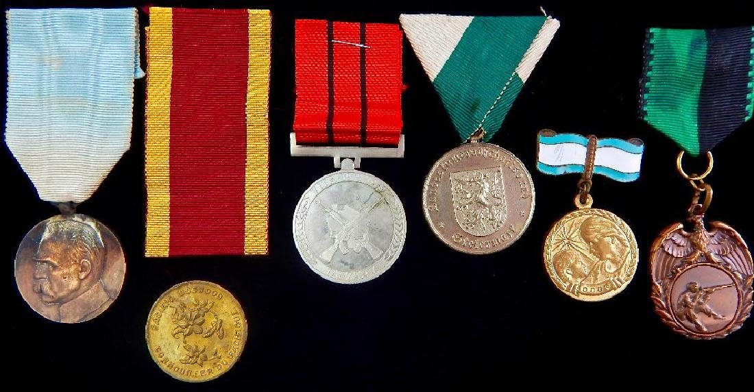 Group of 6 World Medals - 2