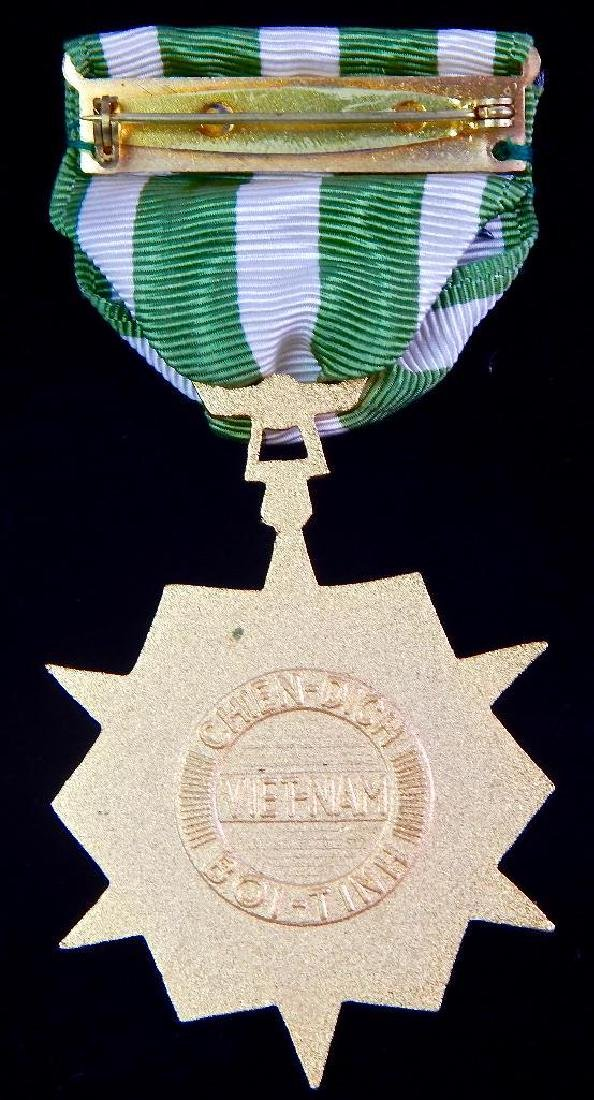 Group of 12 U.S. Vietnam Medals - 5