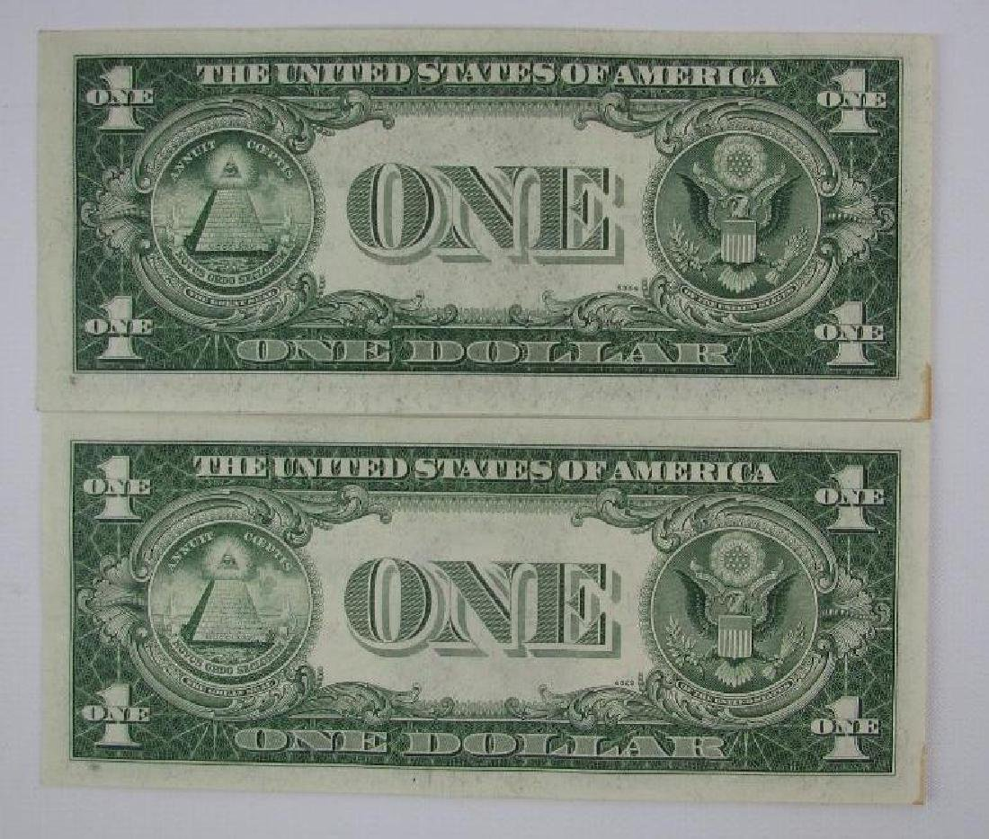Lot of 2 : Series 1935D $1 Silver Certificates - Change - 2