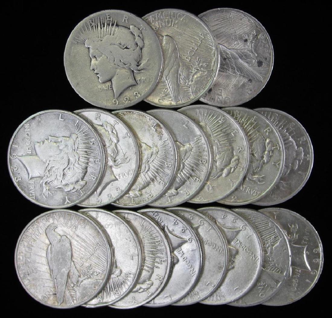 Lot of 18 : Peace Dollars (1922-1924)