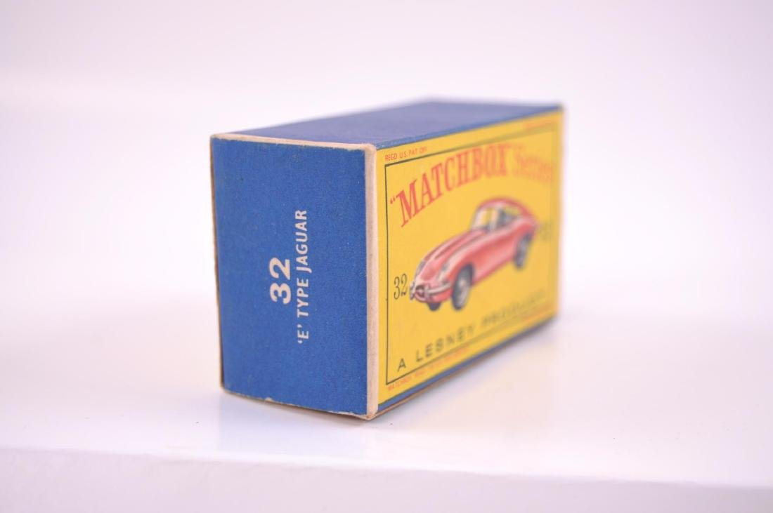 Matchbox No. 32 Jaguar 'E' Type Die-Cast Car with - 10