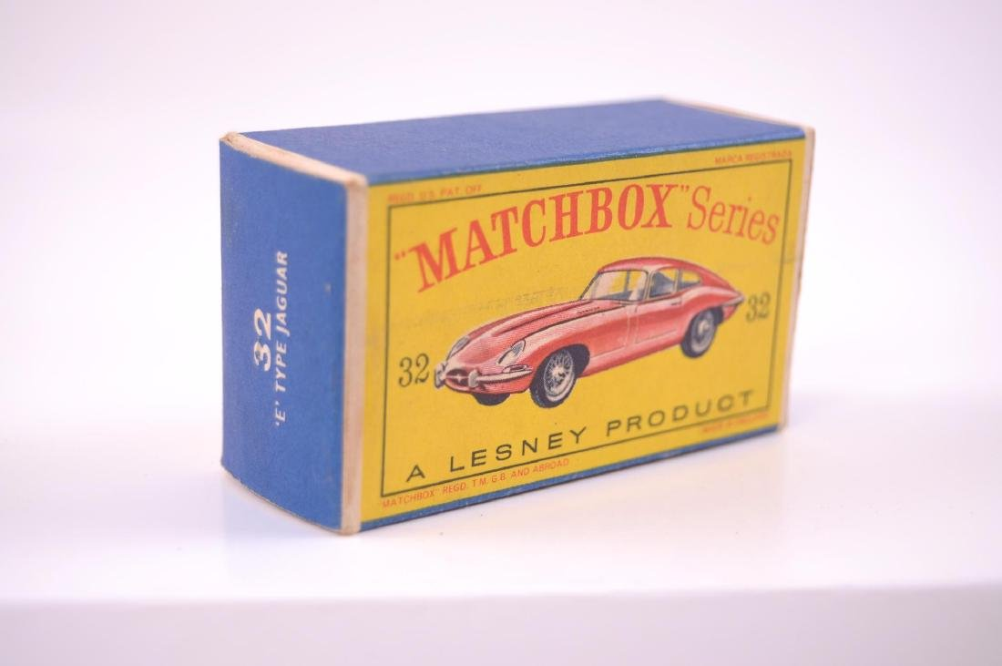 Matchbox No. 32 Jaguar 'E' Type Die-Cast Car with - 9
