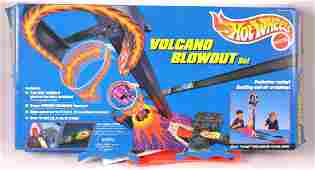 Hot Wheels Volcano Blowout Playset in Original Box