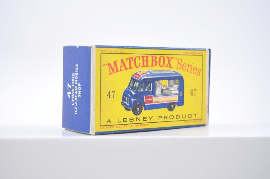 Matchbox No. 47 Lyons Maid Ice-Cream Mobile Shop - 9