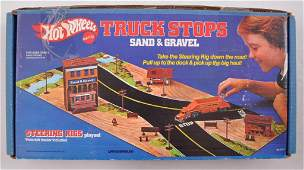 Hot Wheels Steering Rigs Sand & Gravel Playset in