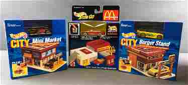 Group of 15 Hot Wheels Sto and Go and City Play Sets In