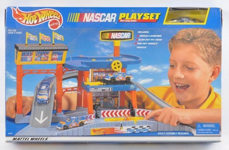 Hot Wheels NASCAR Playset in Original Box