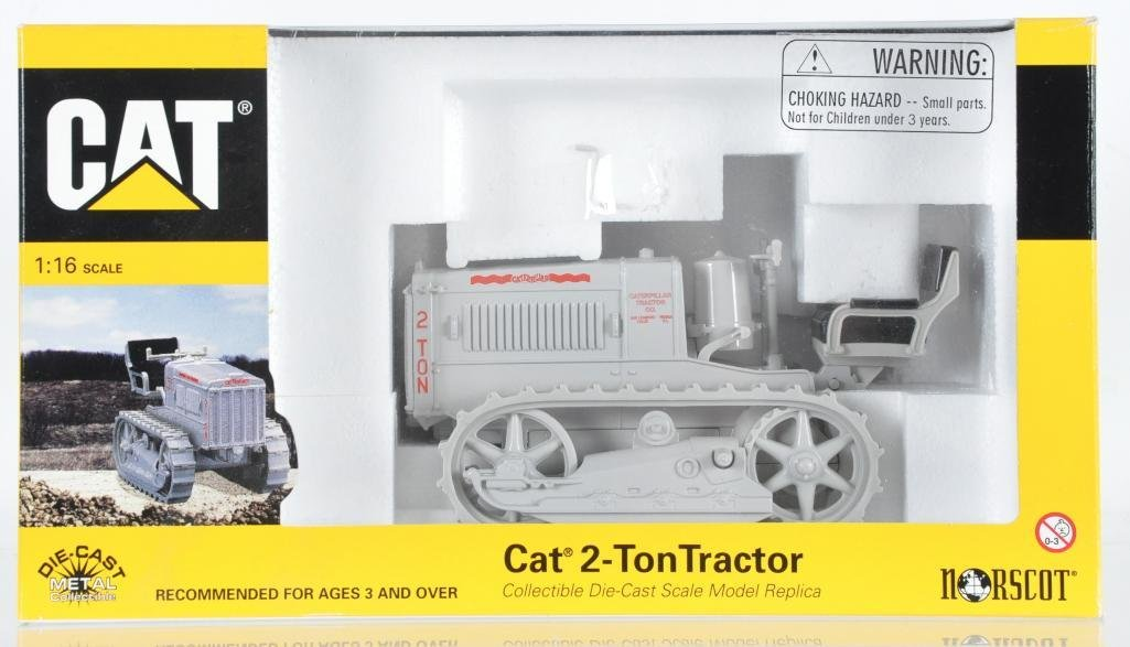 Norscot Die-Cast Car 2-Ton Tractor in Original Box