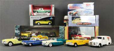 Group of 13 diecast vehicles