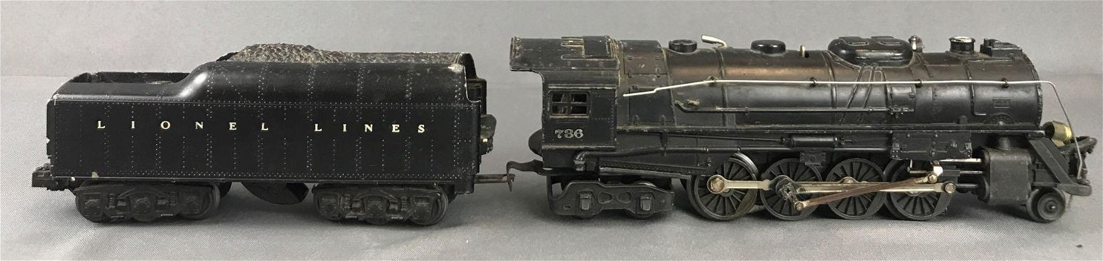 2 piece set O scale Lionel 736 locomotive with tender