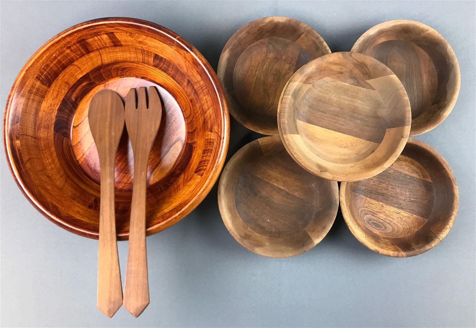 Group of 7 : Wooden Salad Bowls + Wooden Serving Pieces