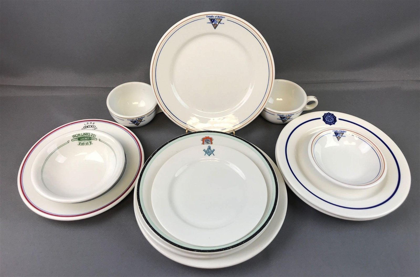 Group of 12 Pieces : Assorted Restaurant Ware -