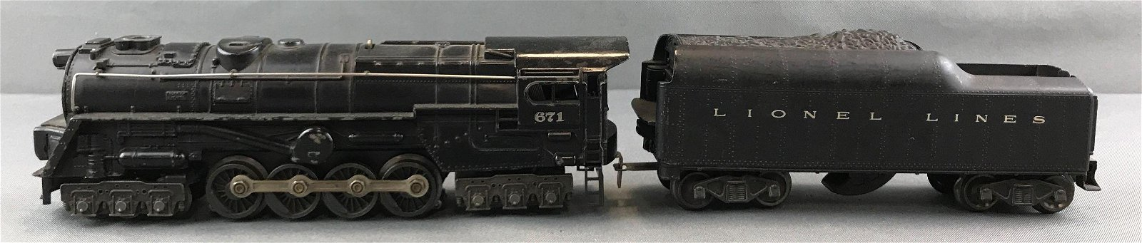 Lionel Lines engine and tender 671