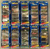 Group of 10 Hot Wheels 5-piece die-cast vehicle gift
