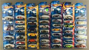 Group of 45 assorted Hot Wheels die-cast vehicles in