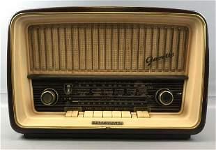 Vintage Telefunken Model Gavotte 8U Radio
