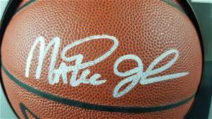 Los Angeles Lakers Magic Johnson signed basketball