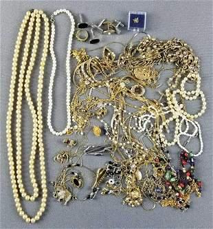 Group of costume jewelry, cufflinks, tie clips