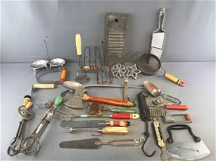 Group of 27 vintage kitchen gadgets