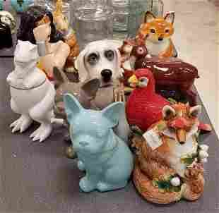 Group of cookie jars, kitchen decor and more