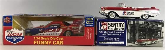 Group of 2 die-cast vehicles