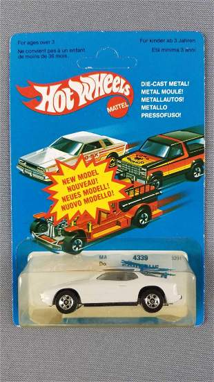 Hot Wheels French Porsche Up Front 924