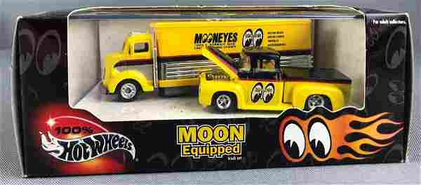 Hot Wheels Moon Equipped Vehicle Set
