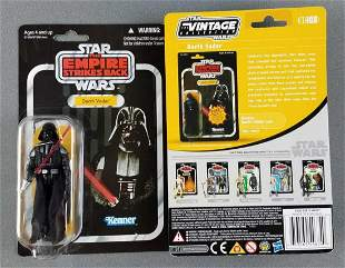 2 Star Wars Darth Vader figures