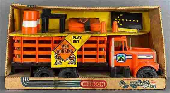 Munson Men at Work Play Set