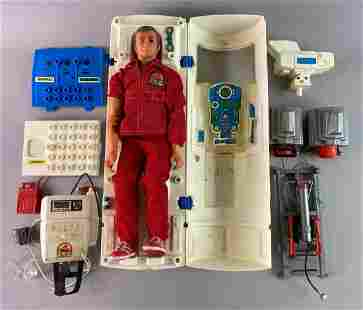 Kenner The Bionic Man Action Figure and Playset