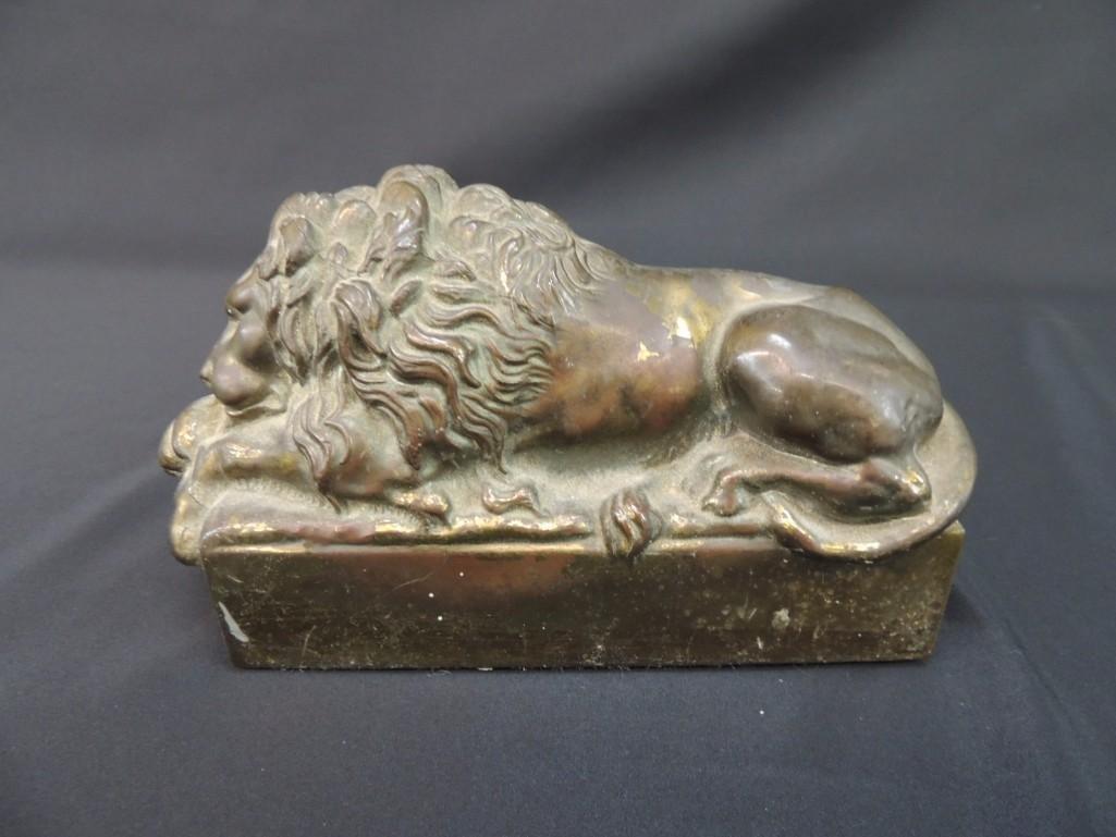 Bronze Memorial Lion Sleeping Statue Featuring Antonio - 4
