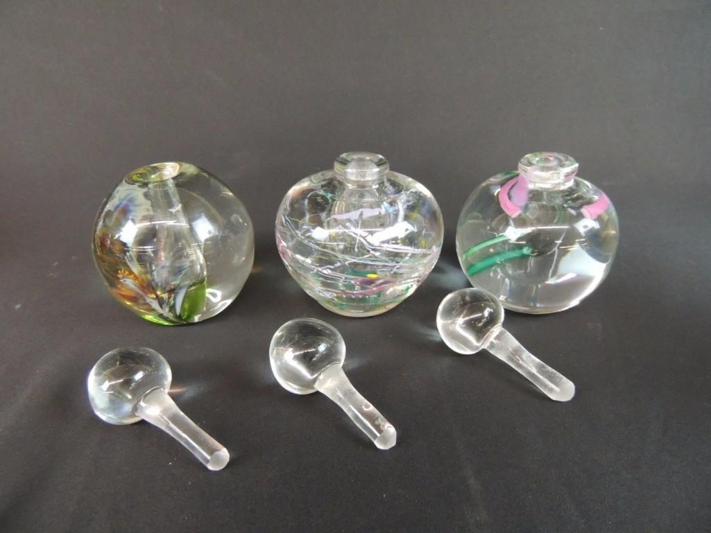 Group of 3 Robert L. Hamm Signed Art Glass Paperweight - 2
