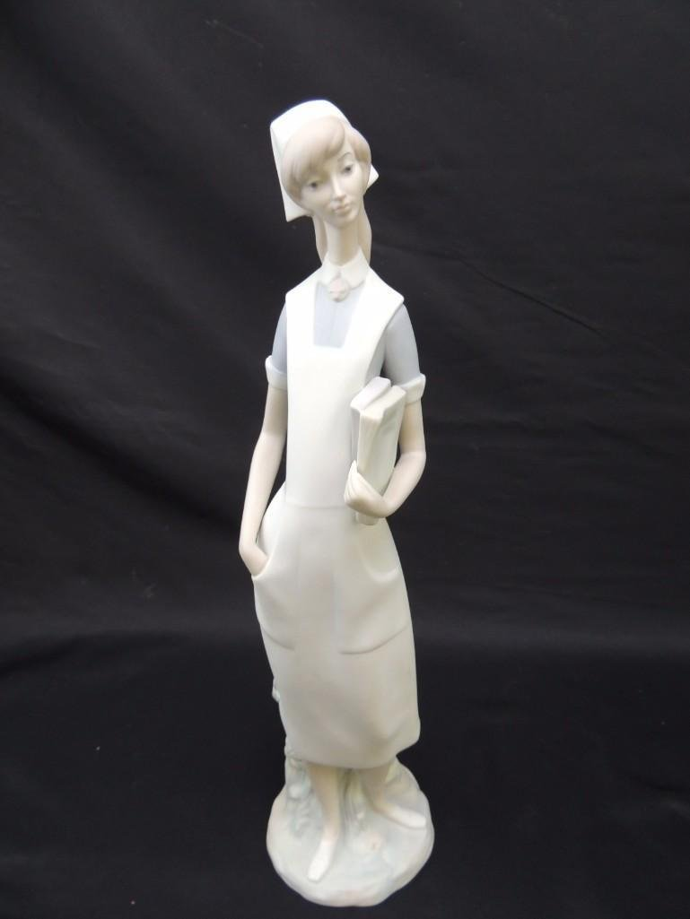 Lladro Porcelain Figurine of Standing Nurse